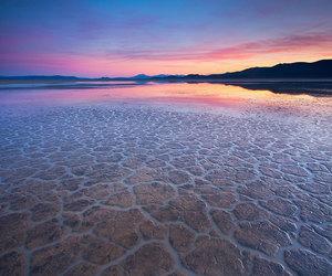 barren gobi desert image