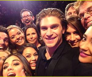 pretty little liars, pll, and selfie image