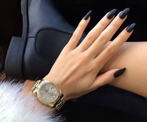 blacknails, fakefur, and nailinspiration image