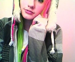 girl, pretty, and green hair image