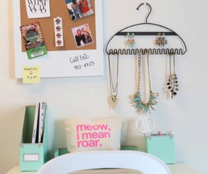 accesories, photos, and room decor image