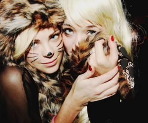 animal print, blondy, and friends image