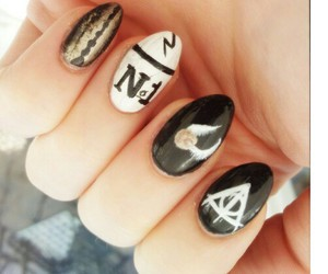 black and white, harry potter, and nail art image