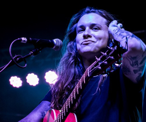 against me and laura jane grace image
