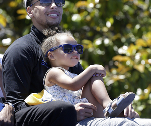stephen curry, daddy daughter moment, and riley curry image