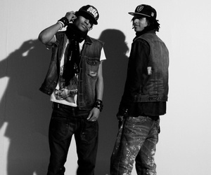 dancers and les twins image