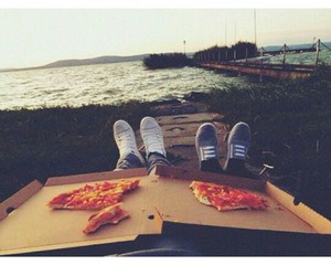 couple and pizza image