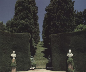 garden and sculpture image