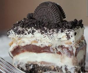 food, cake, and oreo image