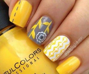 nails and manicurr image