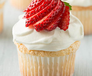 food, muffin, and strawberry image