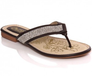 women slippers, flat slippers, and thong slippers image