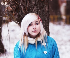 blonde, hair, and tree image