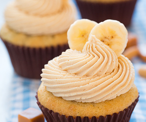 cupcake and banana image