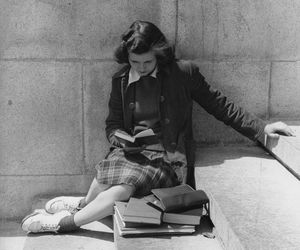 black and white, vintage, and reading image