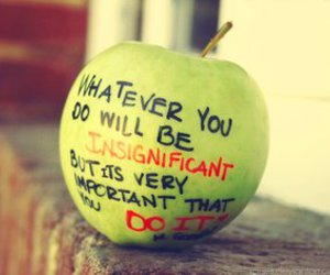 apple, quote, and gandhi image