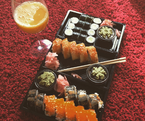 food, sushi, and lovewhatyoueat image