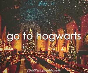 hogwarts, harry potter, and christmas image