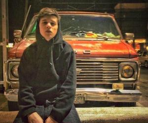 nick robinson and boy image