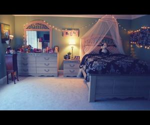 room, femenino, and lindo image