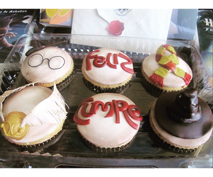 cupcakes, harry potter, and snitch image