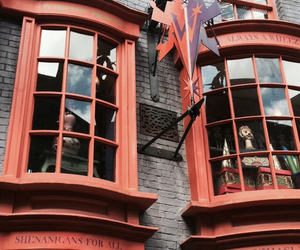 harry potter, hogwarts, and diagon alley image