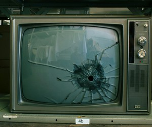 tv, grunge, and broken image