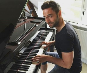 piano and mans zelmerlow image