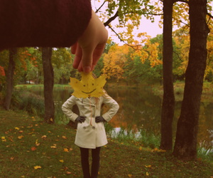 autumn, friend, and leaf image