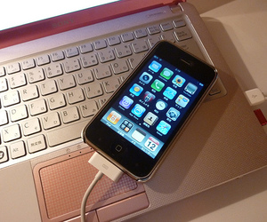 iphone and laptop image
