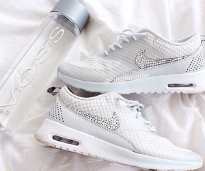 fashion, nike, and voss image
