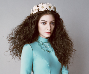 lorde and vogue image