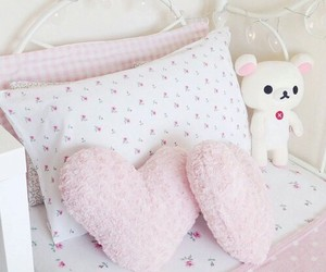 pink, room, and sweet image