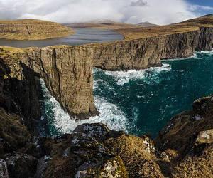 leitisvatn faroe islands image