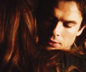 damon y elena, tvd., and delena hugs image