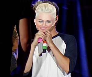 niall horan, one direction, and miley cyrus image