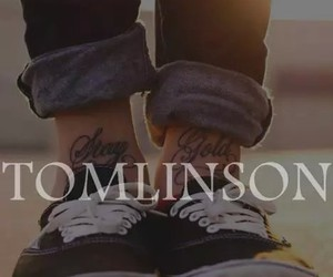 louis tomlinson, one direction, and tomlinson image