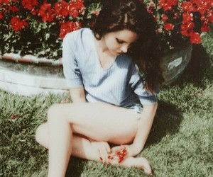 flowers, grunge, and lana image