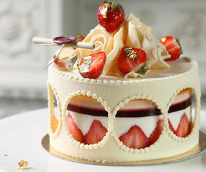 cake, strawberry, and fraise image