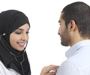 doctor, hijab, and medicine image