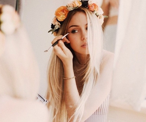 girl, flowers, and scarlett leithold image