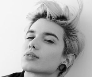 androgynous, black and white, and style image