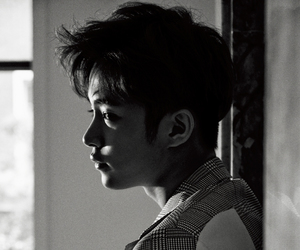 ft island, black and white, and jaejin image