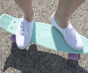 penny board and tumblr image