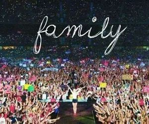Taylor Swift, family, and swifties image