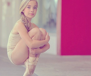 ballet, dancer, and enpointe' image