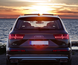 audi and q7 image