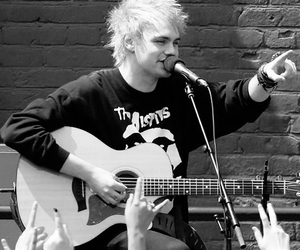 michael clifford, 5sos, and 5 seconds of summer image