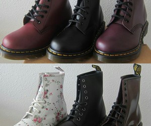 grunge, shoes, and docmartens image
