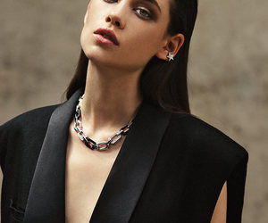 model and astrid bergès-frisbey image